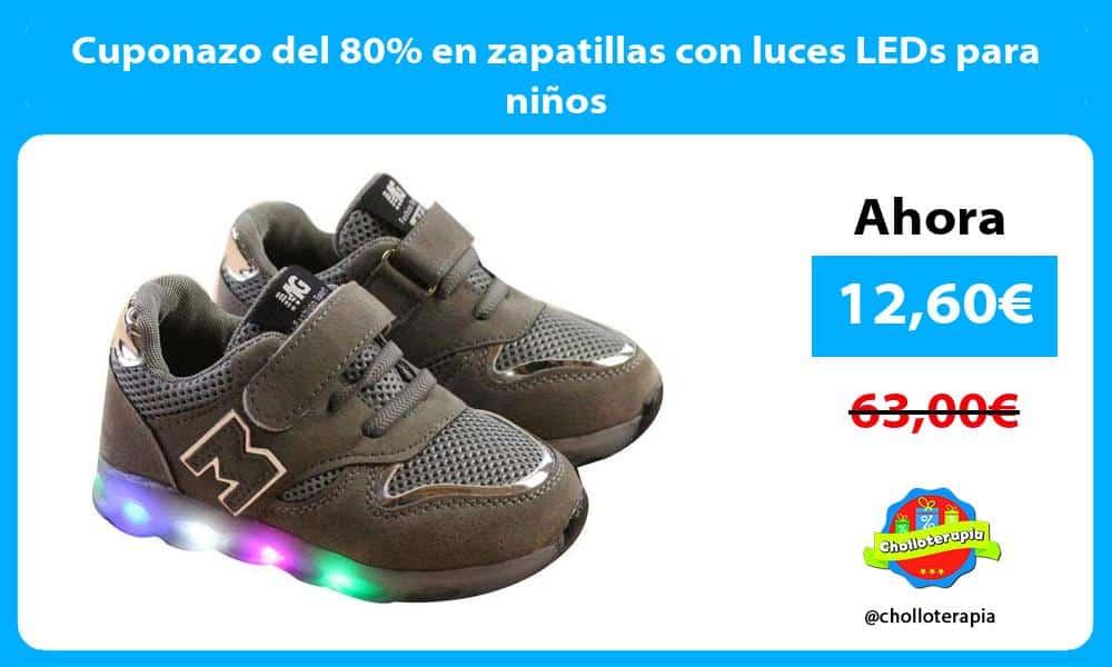 Cuponazo del 80 en zapatillas con luces LEDs para niños