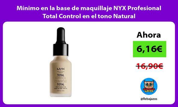 Mínimo en la base de maquillaje NYX Profesional Total Control en el tono Natural/